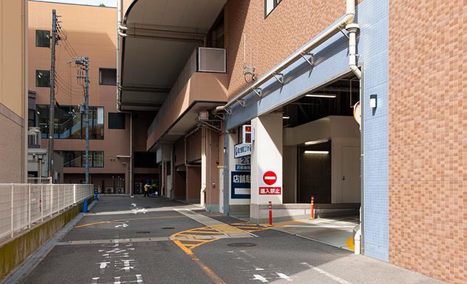 アスタプラザ駐車場入口